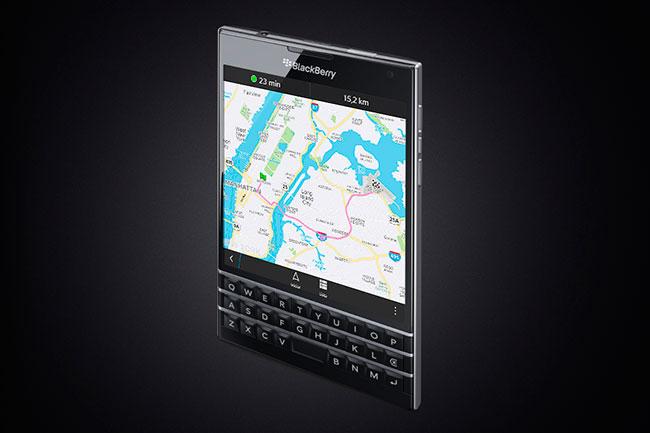 La pantalla cuadrada del teléfono, facilita la visión de los contenidos.